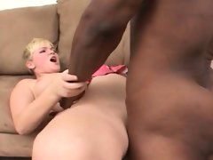 Blondie tries some black dick