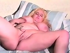 Fat mother having some hardcore fun