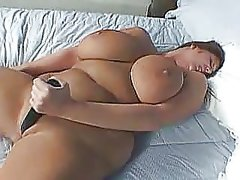 Sexy chubby girl fucking herself