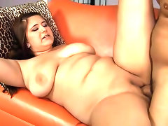 Cute curvy girl fuck and facial