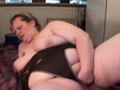 Dick sucking mature bbw fists her big pussy